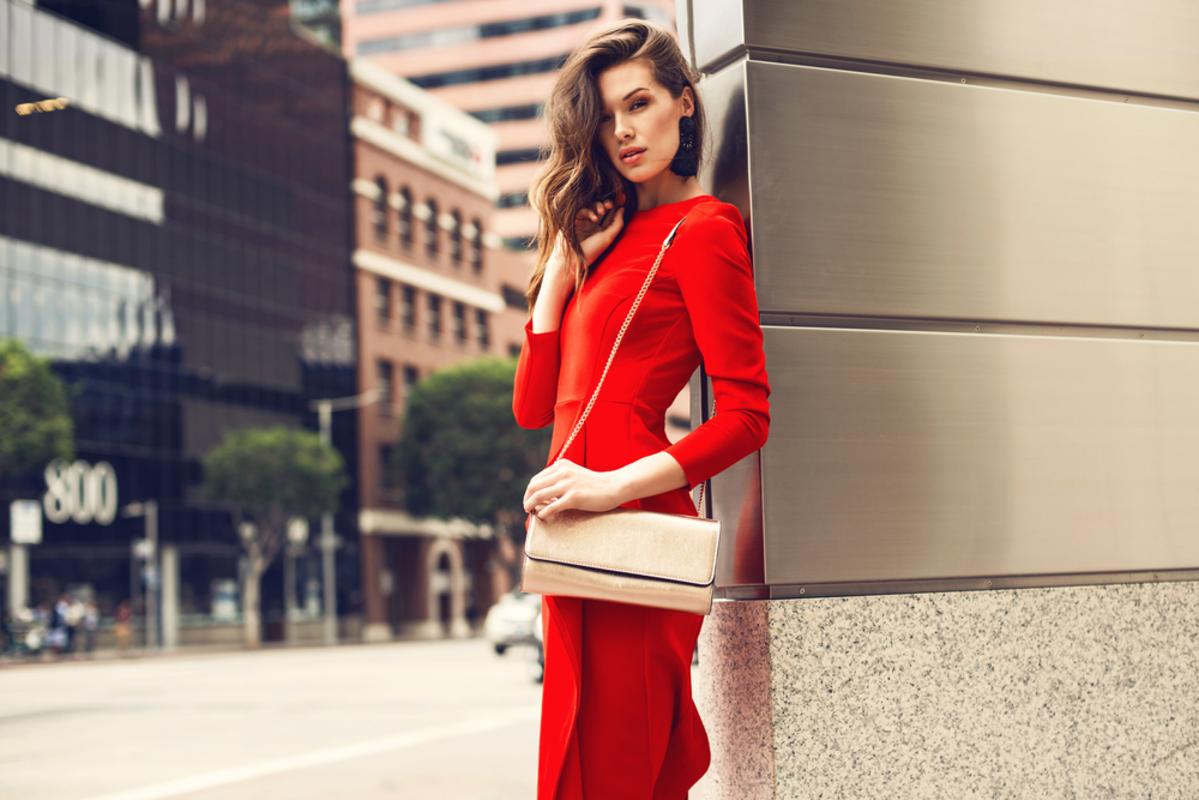 赤色のドレス