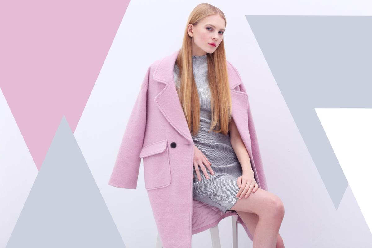 女性のスマートエレガンスってどんな服装?指定された場合の着こなしポイントを解説