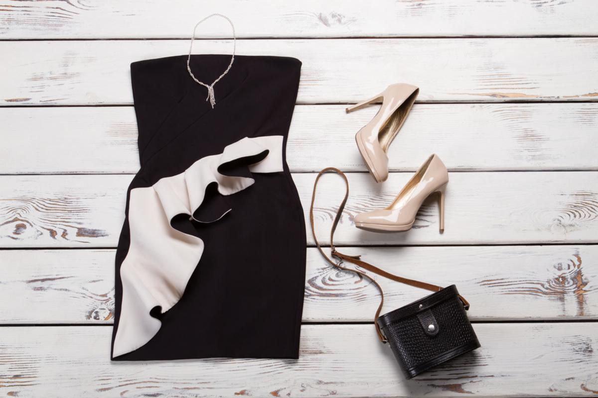 タイトドレスは結婚式で着ても大丈夫?マナー&おすすめのデザインをご紹介