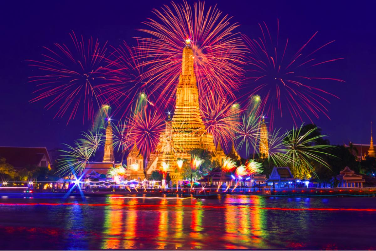 タイの新年のカウントダウン