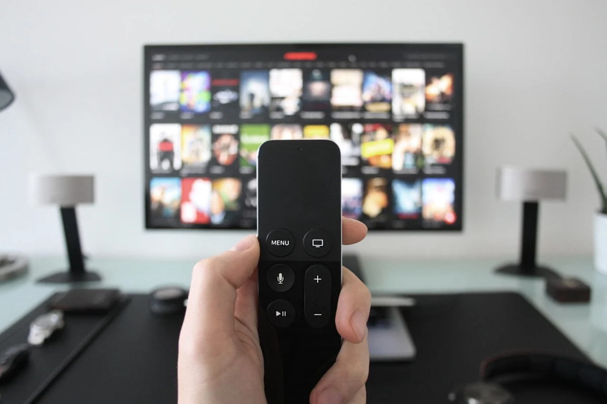テレビとリモコン
