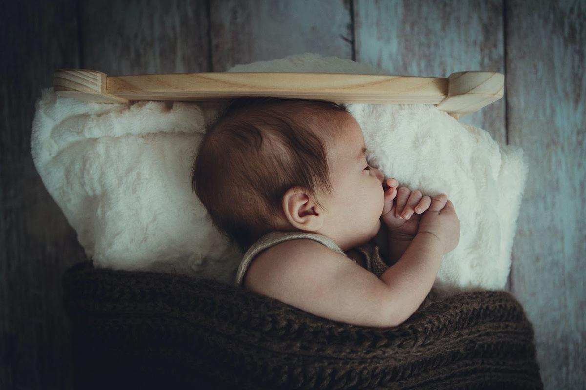 産後に一番辛いのは睡眠不足!?満身創痍の産後を乗り切るには