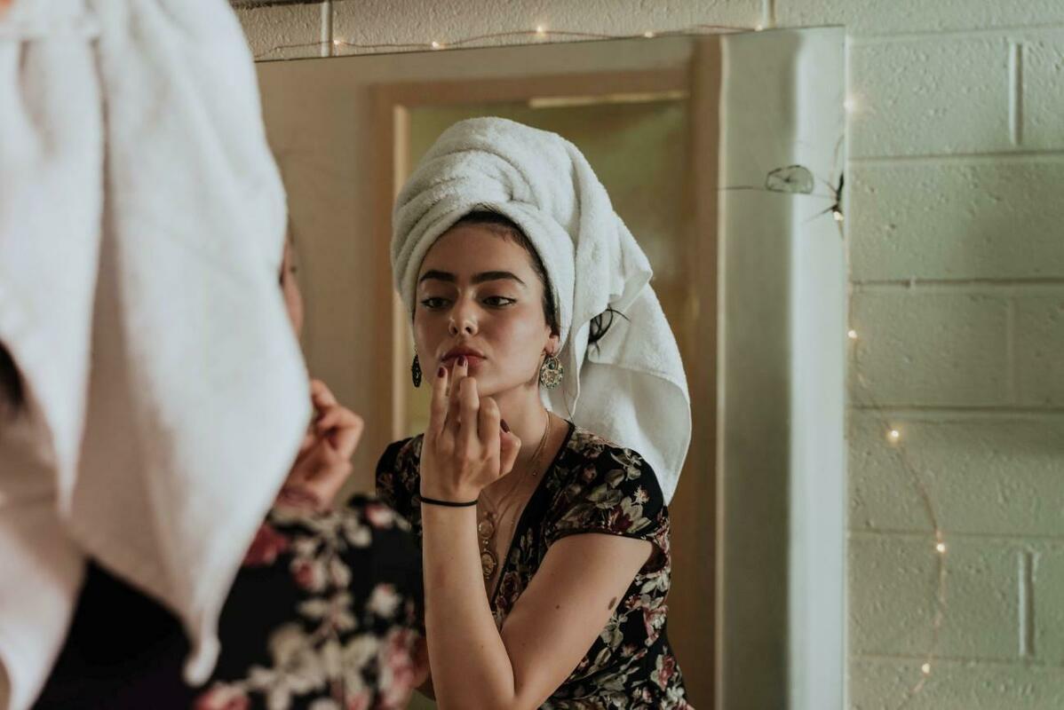 お風呂上がりの女性