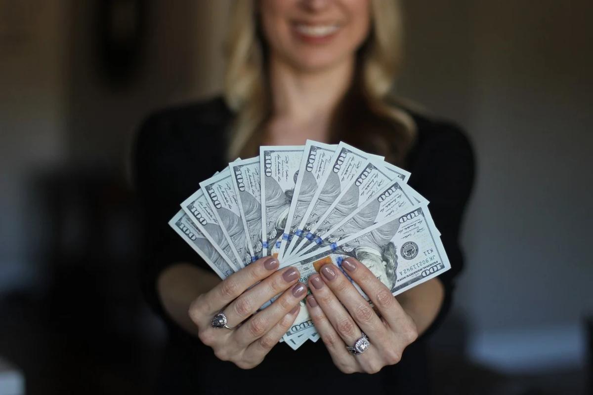 後悔なし!アラサー女性におすすめしたい、今やるべき10万円投資