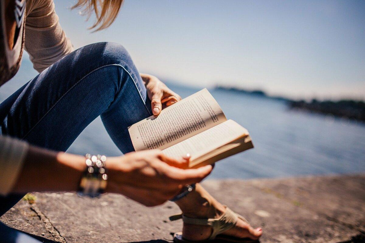 30代の女性に読んでほしい!大人の心に響くおすすめの小説をジャンル別にご紹介