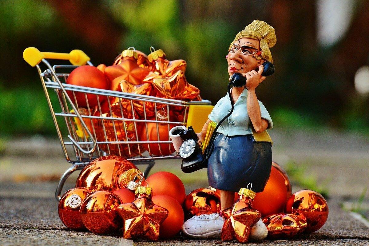 買い物をした女性の人形